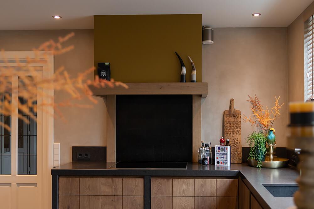 Compleet interieur met eiken keuken