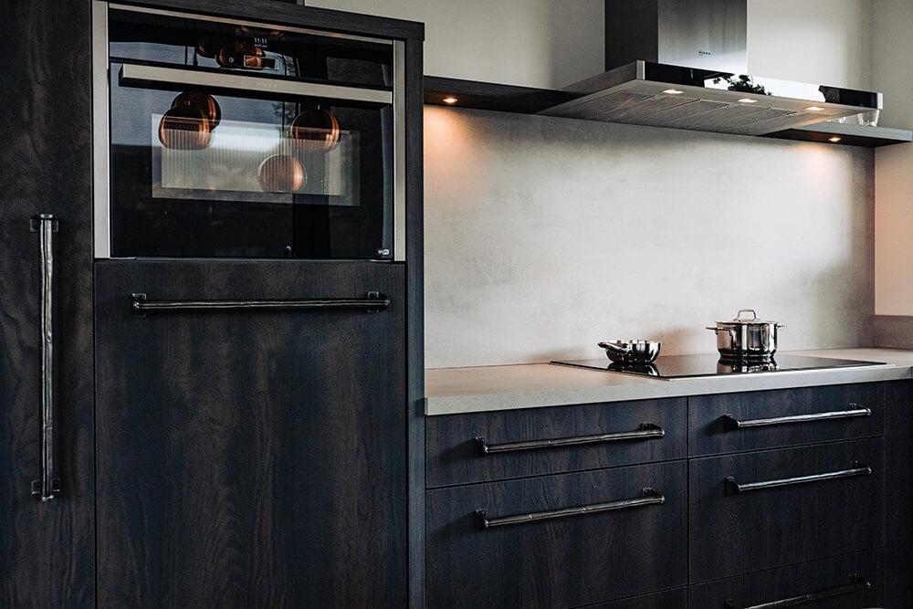 Showroom zwarte keuken